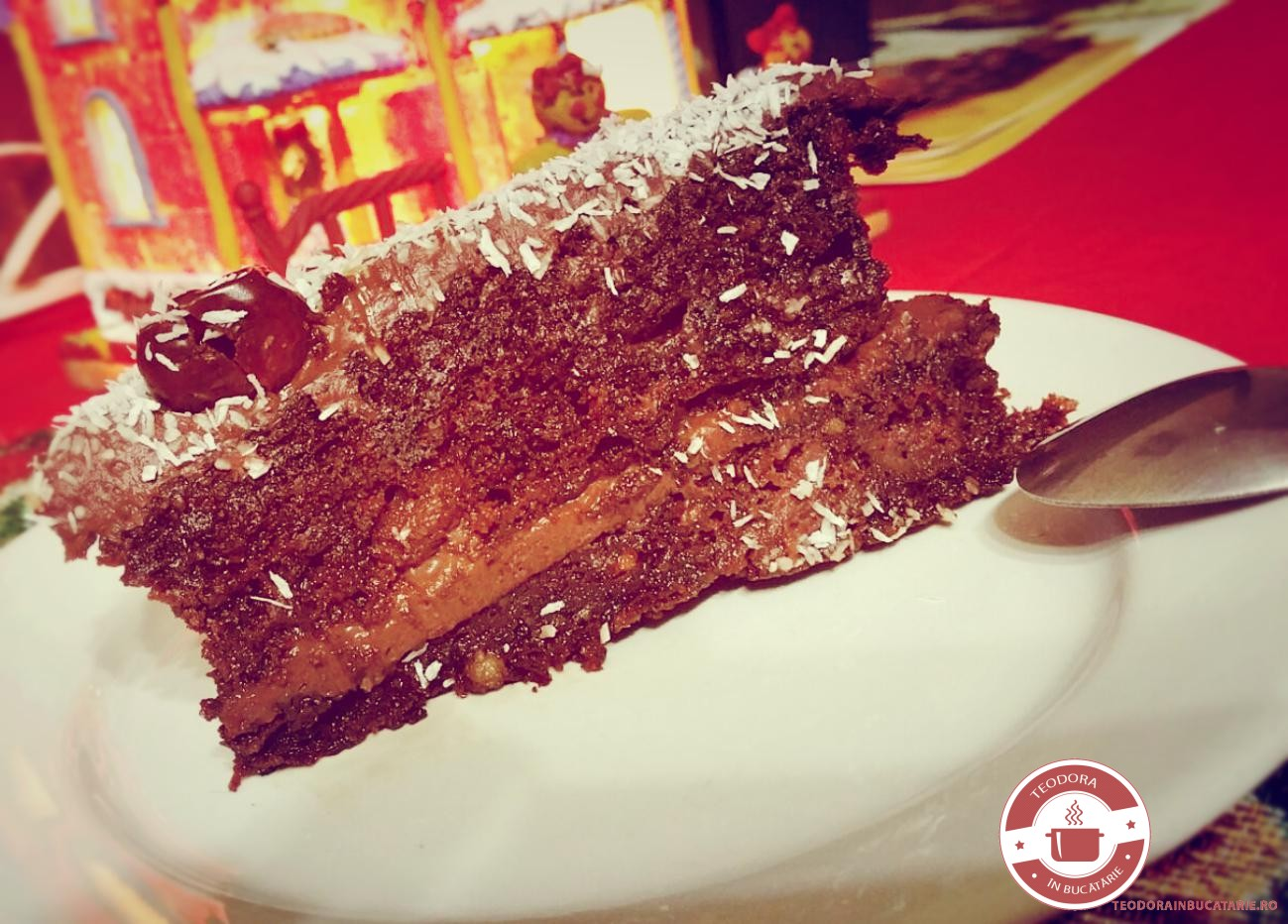 Tort de ciocolata cu nuci si gem de prune