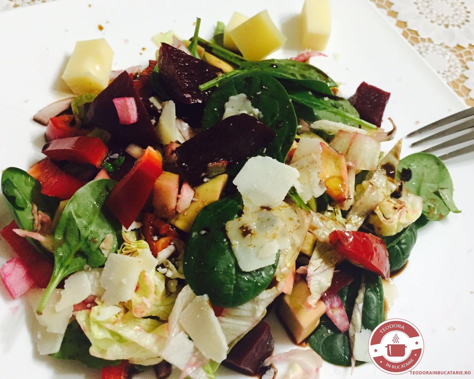 Salata cu sfecla si avocado