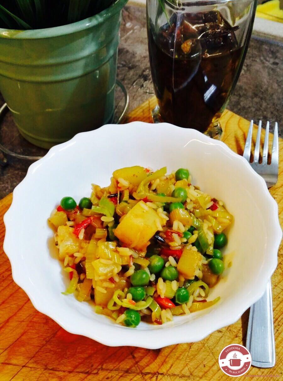 Salata cu legume  si ananas in stil asiatic